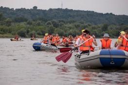 Kazimierz Dolny  Atrakcja Spływ pontonowy Dwa Żywioły